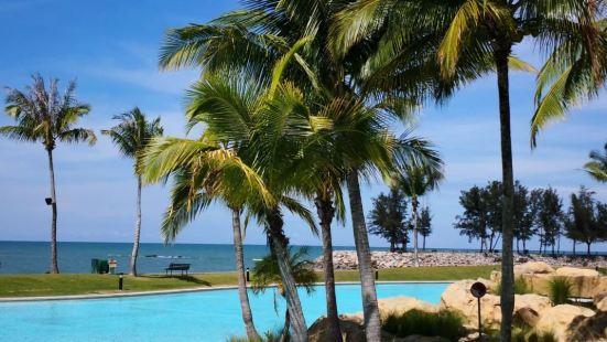 Empire Hotel Beach