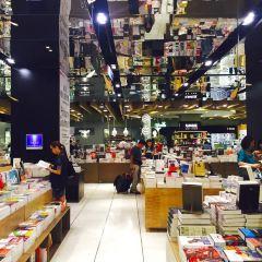 Eslite Bookstore (Xinyi location) 여행 사진