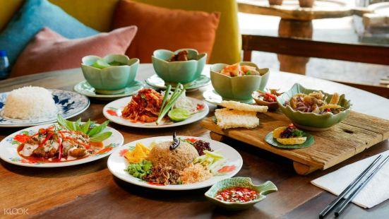 Supanniga Eating Room x Roots Coffee, Tha Tien
