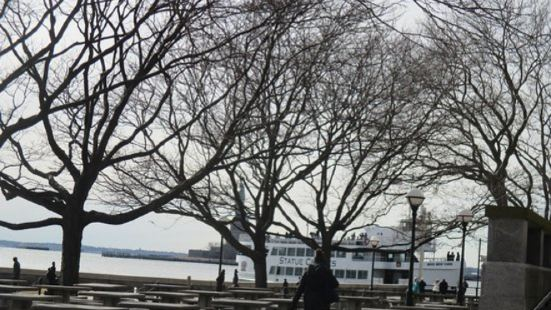 Ellis Island Cafe