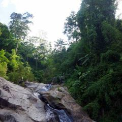 Mor Paeng Waterfall User Photo