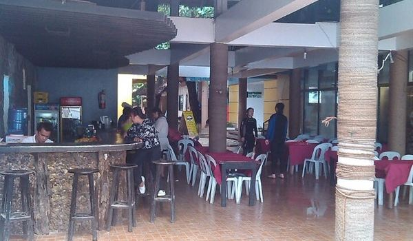 Bamboo Lounge3