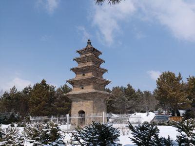 Lingguang Tower
