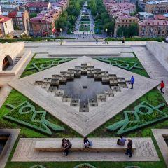 Alexander Tamanyan Statue User Photo
