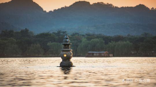 杭州夏季西湖三潭印月