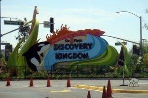 六旗探索王國主題公園