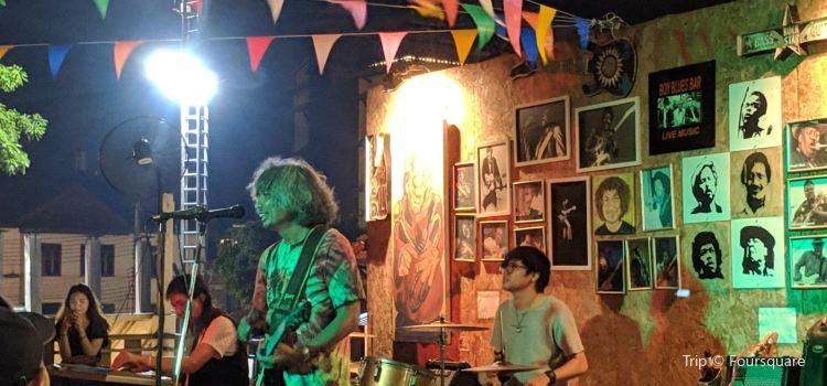 Boys Blues Bar3