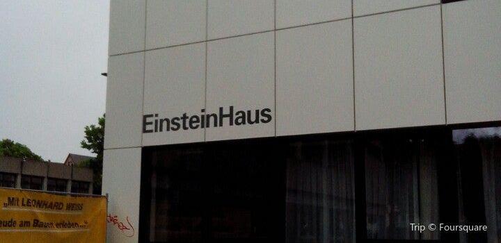 Albert Einstein Denkmal3