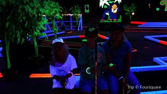 Glow Putt Mini-Golf