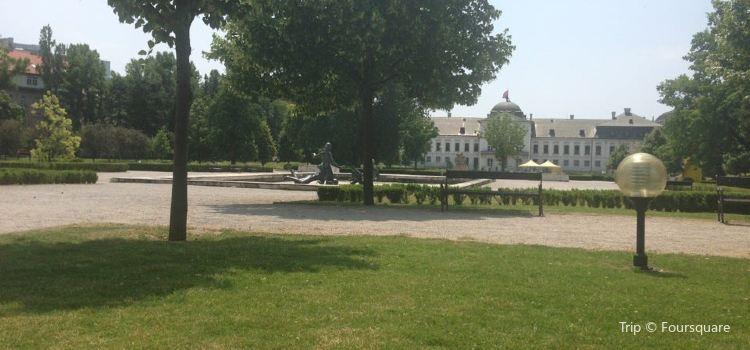 Prezidentská Záhrada2