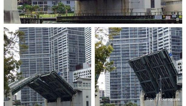 Brickell Avenue Bridge