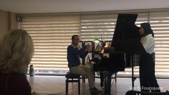 Girgin Piyano & Sanat Galerisi