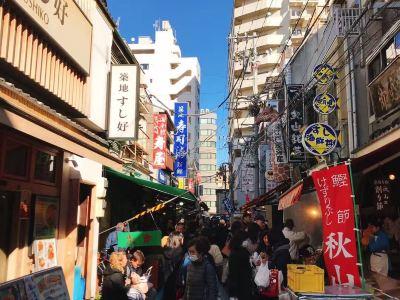 JAPANiCAN - Tsukiji Outer Fish Market and Sushi Workshop
