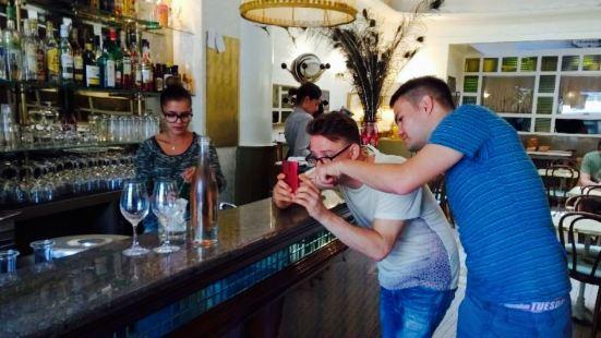 Bar De La Releve
