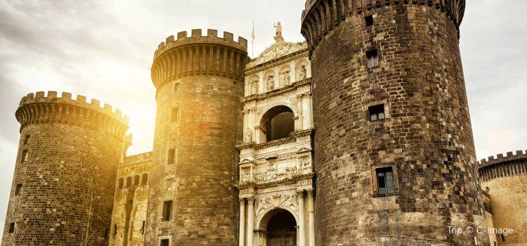 Castel Nuovo3