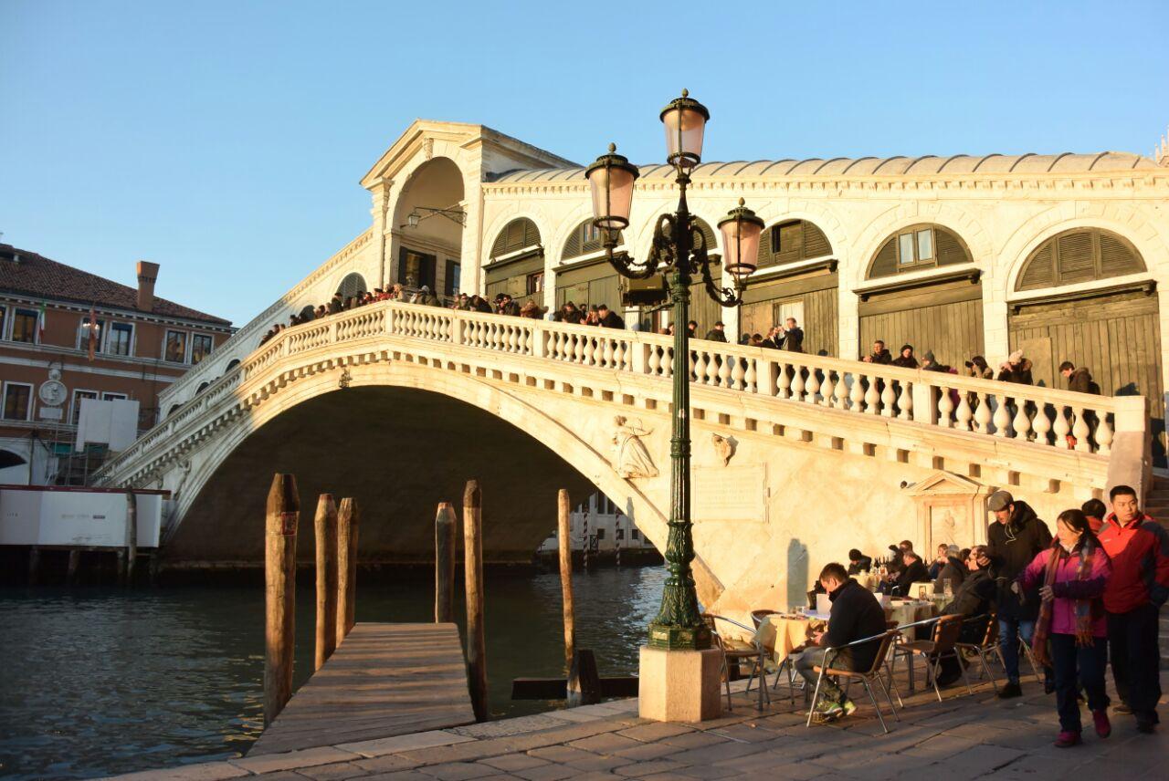 Corte San Luca Bardolino rialto markets travel guidebook –must visit attractions in