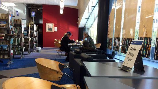 威靈頓市圖書館