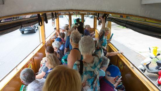 歐胡島巴士觀光遊