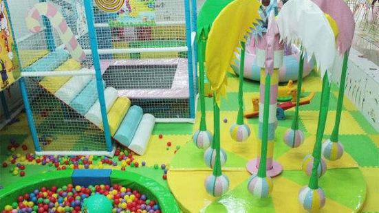 小淘氣兒童遊樂園