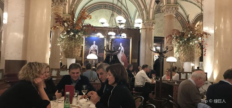 中央咖啡館2