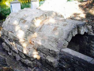 The Crypt (Sklep Heroon)