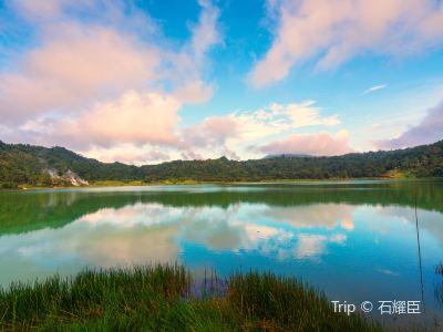 리노우 호수