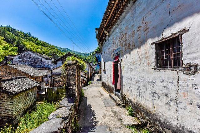嚴家古村,皇室家族後裔的隱居之地,代表了中國幾千年的封建歷史文化