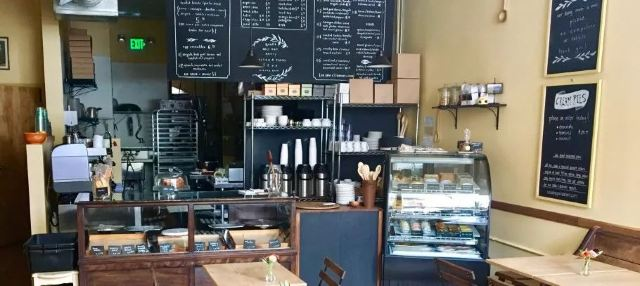 去裡高城-丹佛晒著太陽喝咖啡吧   美國旅行-中部城市