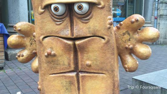 Skultur 'Bernd das Brot'