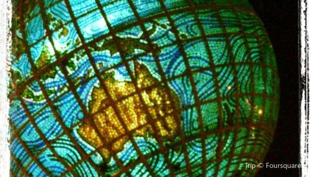 Globe Roundabout2