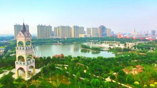 Xinji Runzehu Park (East Gate)