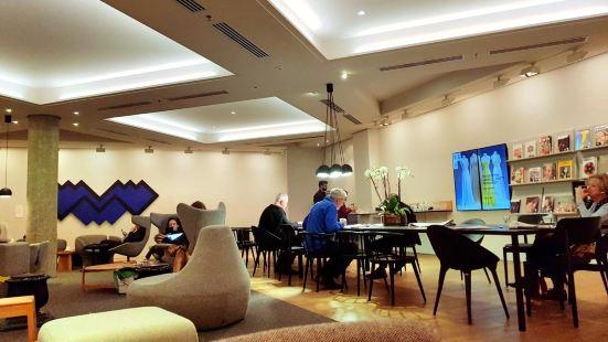 NGV Members Lounge