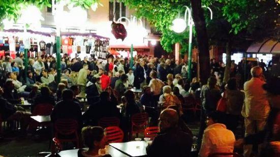 Cafe de Saint-Lo