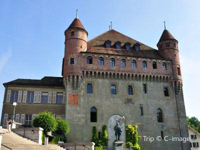 Saint-Maire Castle