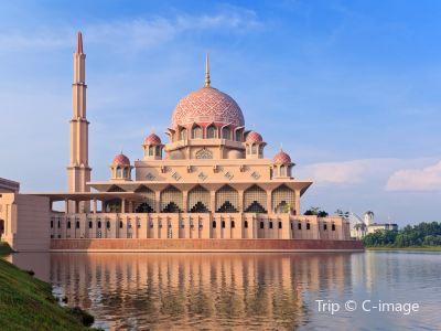 푸트라 이슬람사원