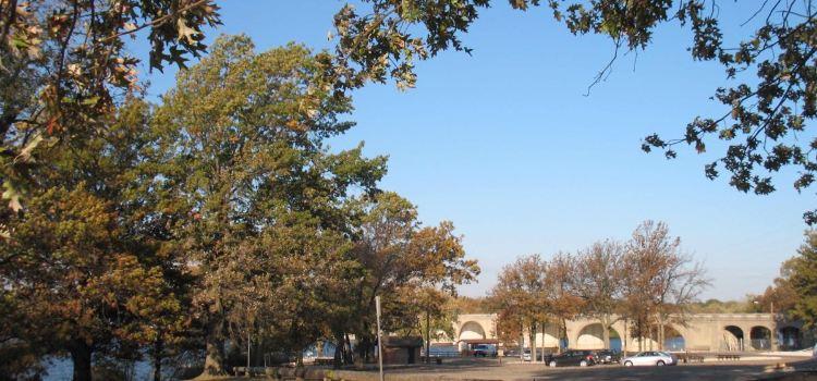 Lincoln Memorial Garden2
