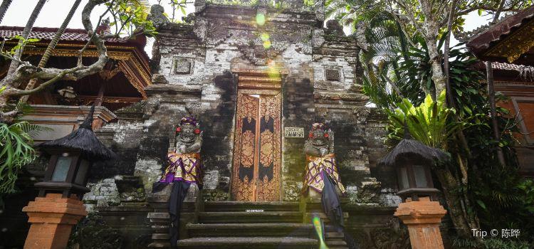 Ubud Palace1