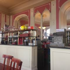 Cafe Louvre User Photo