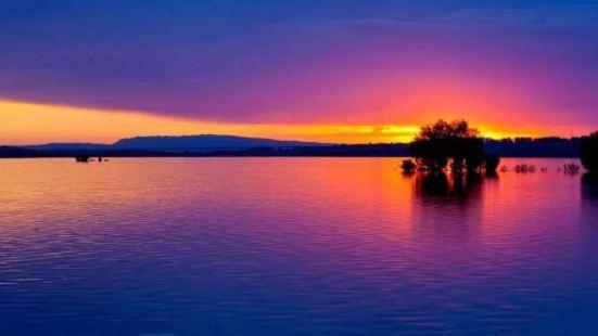 塘巴湖旅遊景區