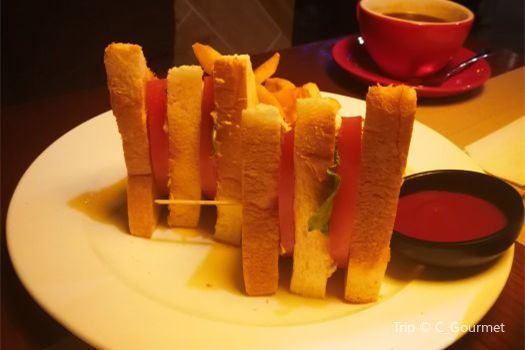 Lazy's Bar( Quan Cheng Road )3