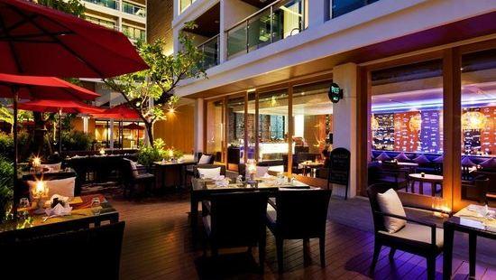 Reef Deli & Wine Lounge