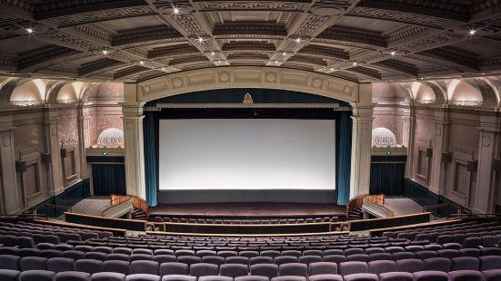 威靈頓大使館劇院