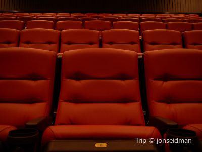 Barnstorm Theater