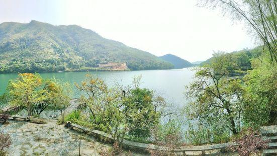 The Longshan Hot-Spring Resort