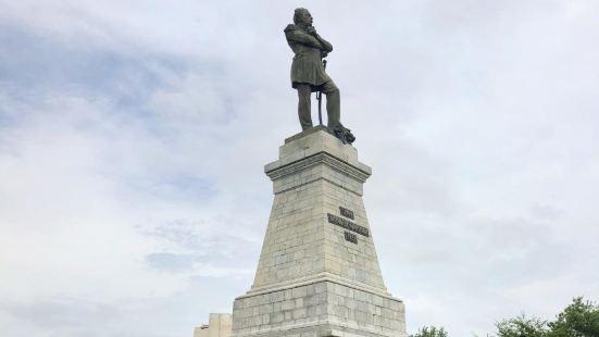 哈巴羅夫紀念塑像