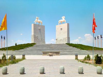 Genghis Khan Mausoleum Scenic Spot