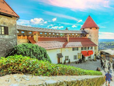 布萊德城堡