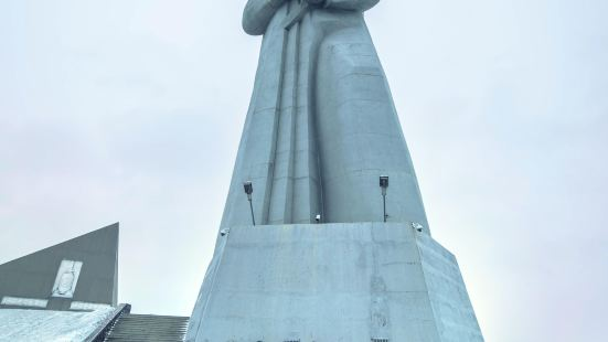 阿廖沙雕像