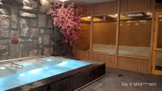 Tangquan Pool
