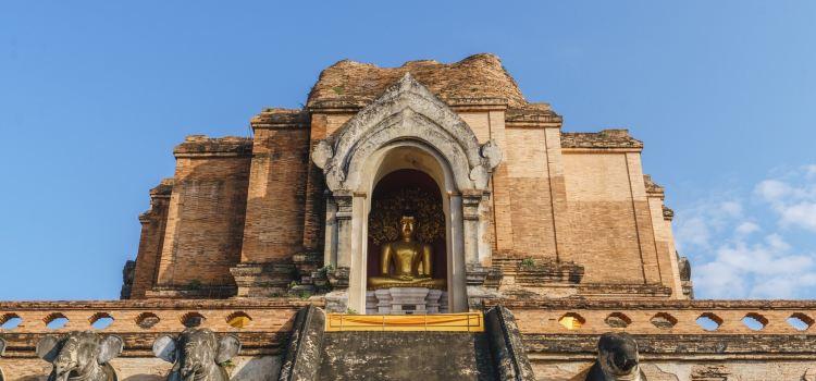Wat Phra That Chedi Luang1